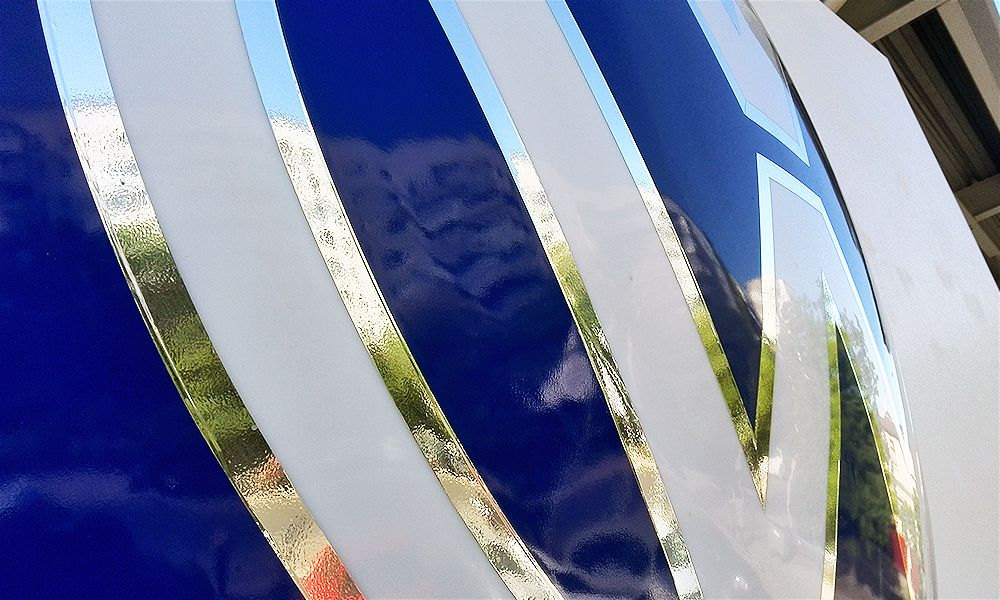 формованный логотип volkswagen