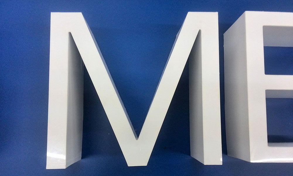 акриловые буквы вывеска Hemo Medika Odessa