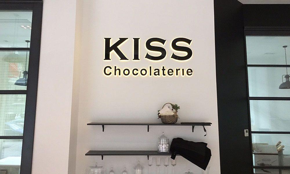 Вывески в Одессе Киз Чоколатери
