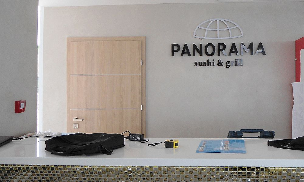 reklamnoe-oformlenie-delfinariya-panorama