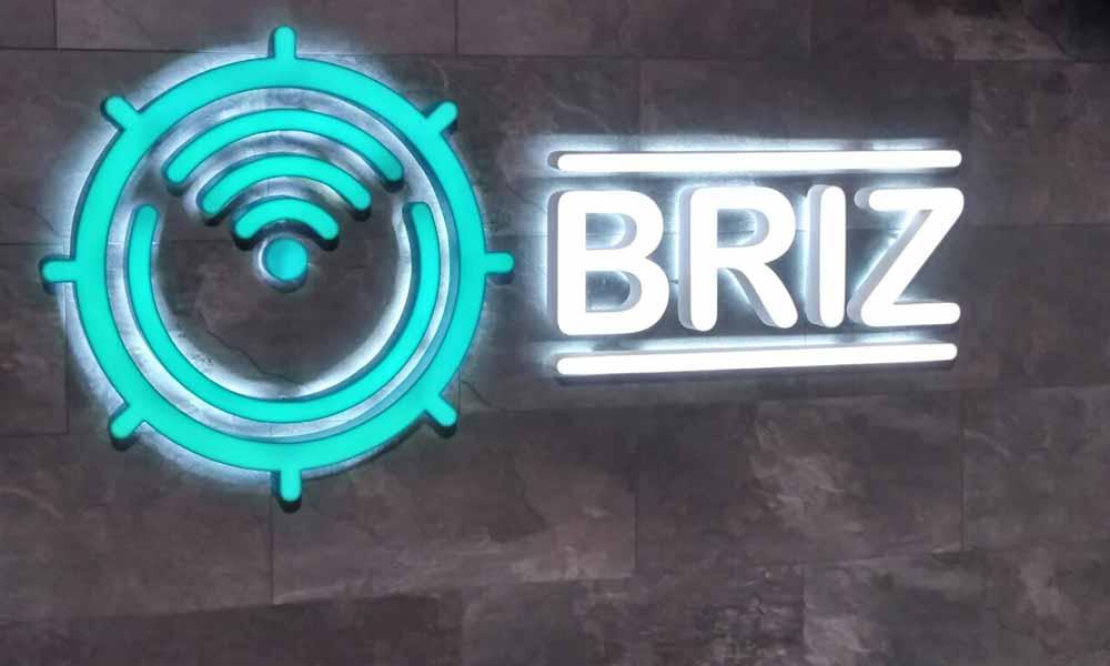 Интерьерная вывеска Briz