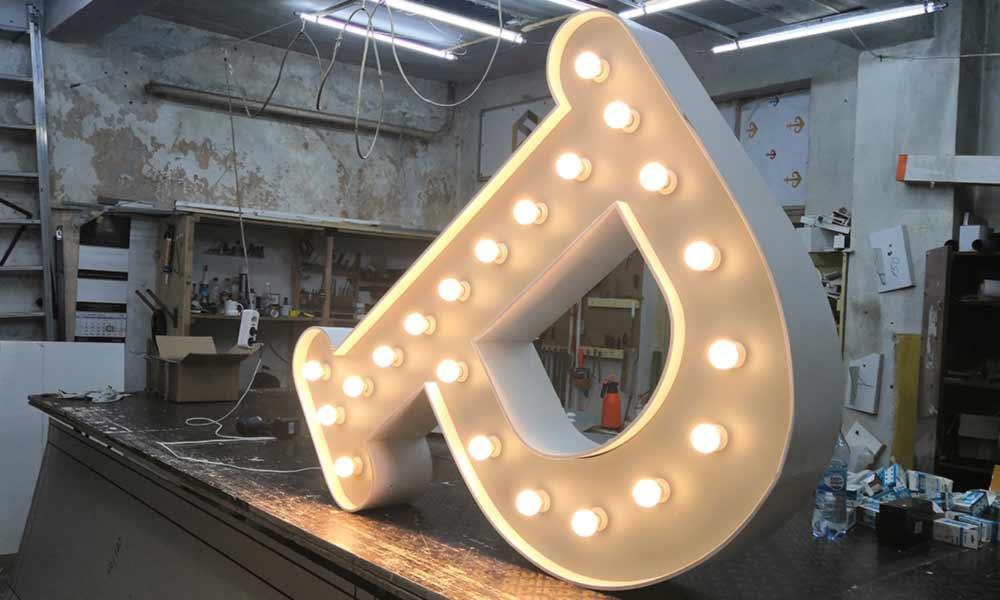 Буквы с лампочками в Одессе